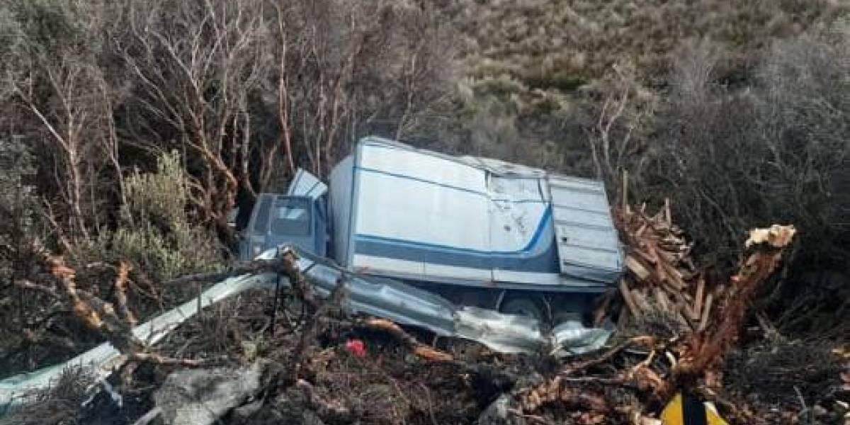 Joven pierde la vida tras pérdida de carril en la vía Cuenca-Molleturo