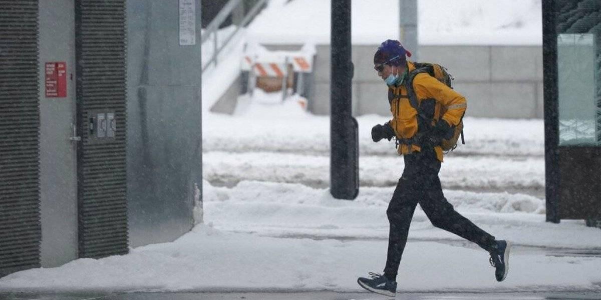 Tormenta invernal congela a gran parte de Estados Unidos