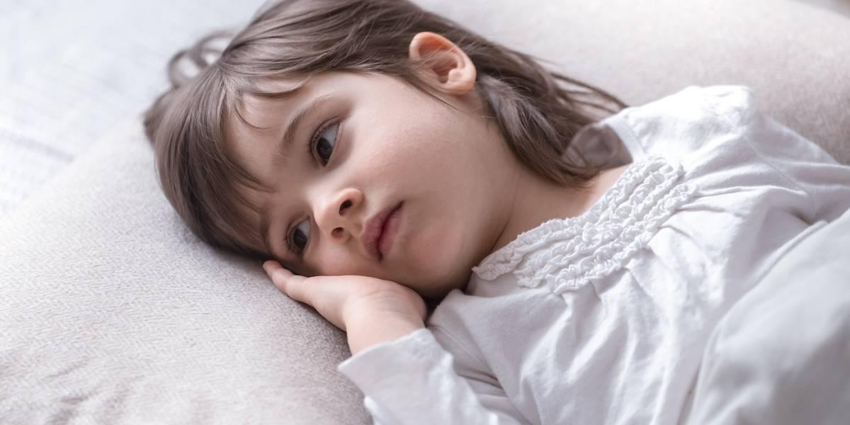 Alerta para os pais: sintomas da covid-19 se parecem com os da dengue nas crianças