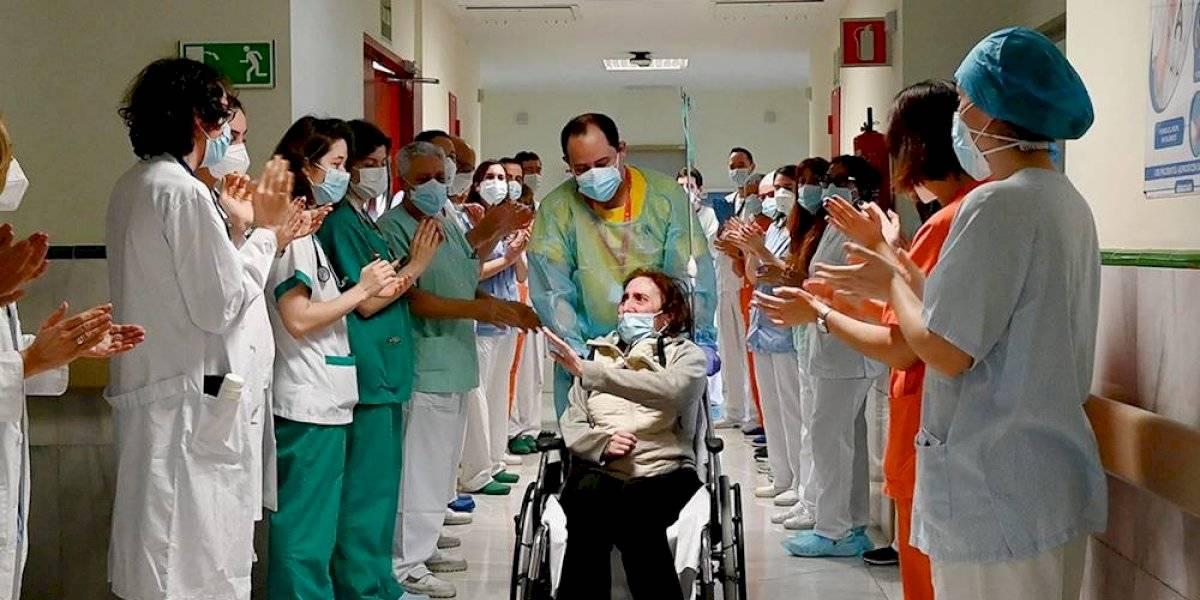 Elsa recibe el alta médica tras 10 meses de batallar contra el covid-19