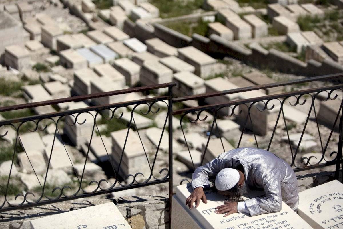 La muerte es cara. Según la tradición judía, los enterrados en el Monte de los Olivos de Jerusalén serán los primeros en llegar al cielo al final de los tiempos.
