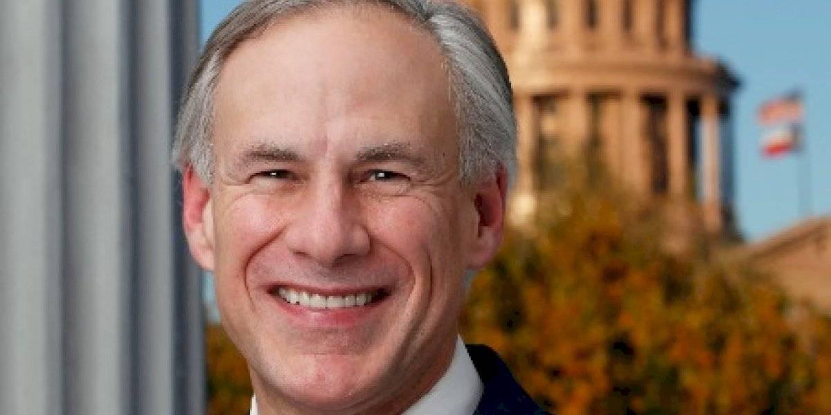 Gobernador de Texas culpa la energía solar y con viento de apagones en el estado