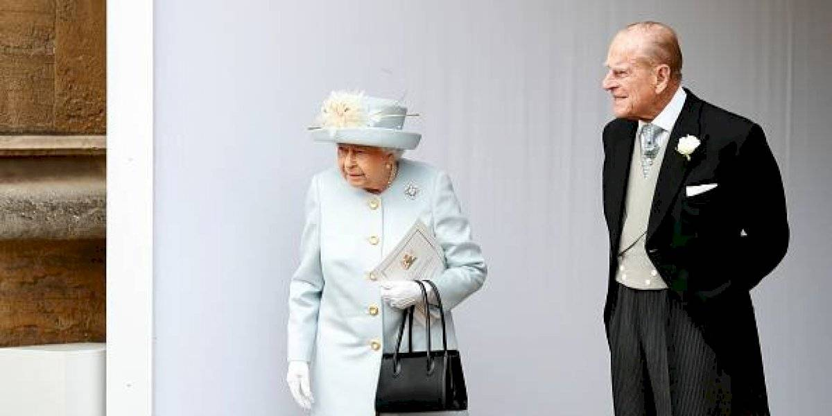 Príncipe Felipe, esposo de la reina Isabel II, fue hospitalizado