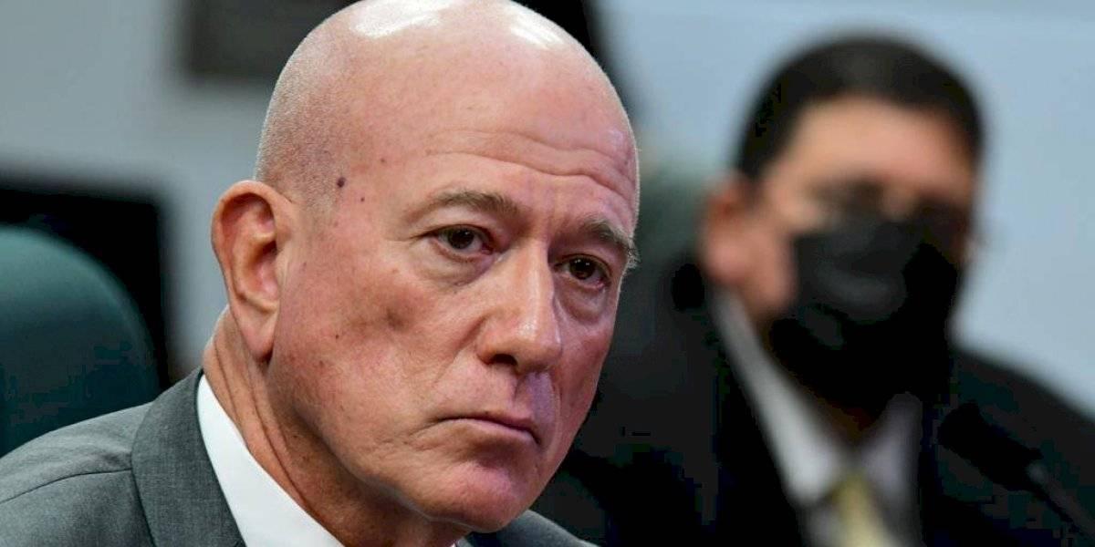 "Piden al presidente del PPD que intervenga contra ""abuso"" de la Cámara contra Larry Seilhammer"