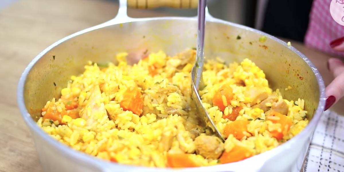 Receita prática de galinhada com arroz e legumes de uma panela só