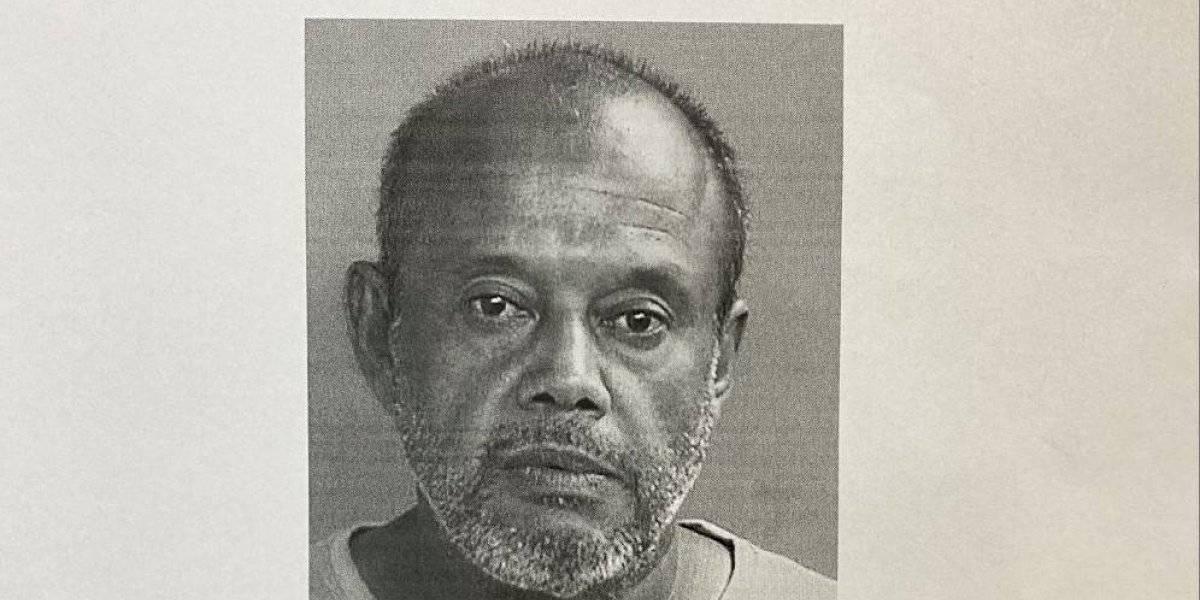 Policía busca persona que se hace pasar por hojalatero y roba carros y dinero