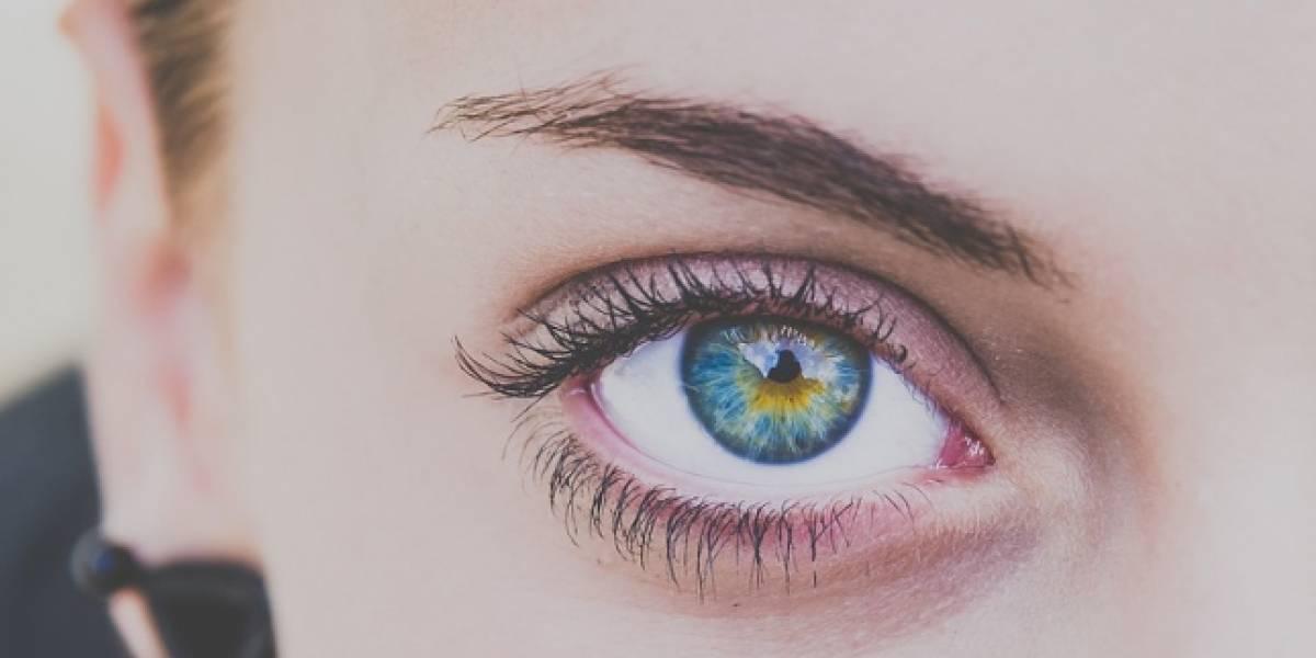 Cejas decoloradas: La extraña tendencia para marcar el rostro
