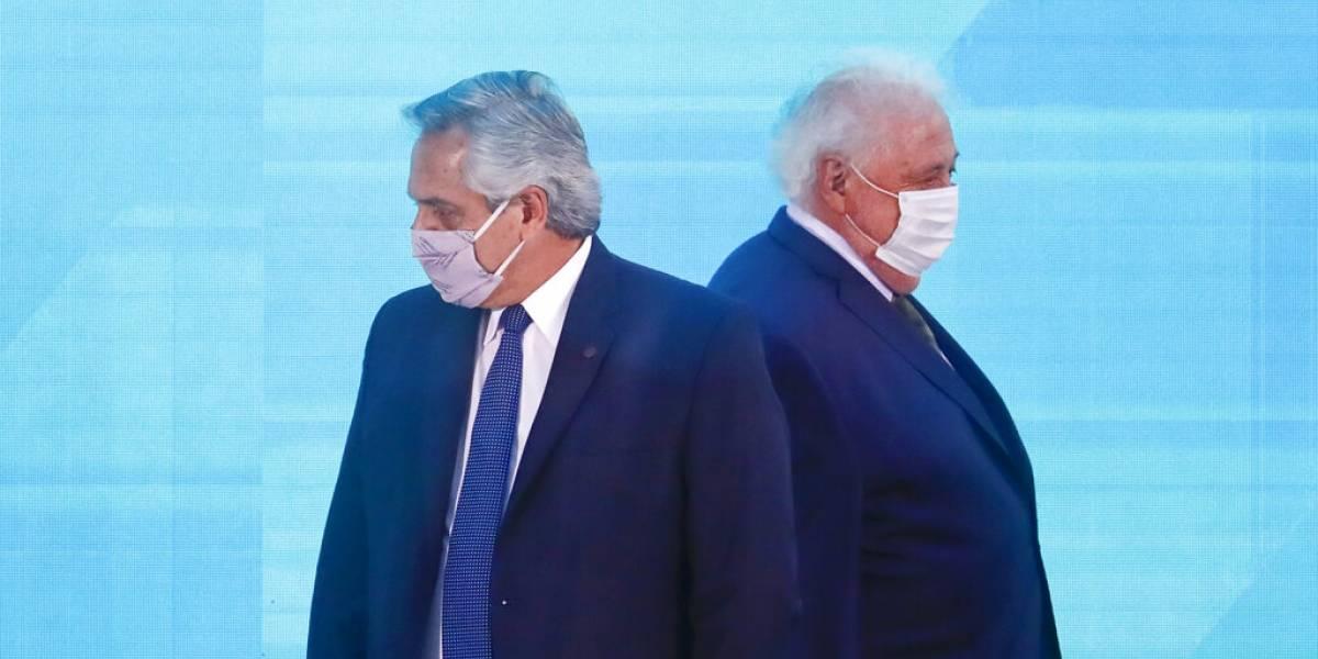 Presidente de Argentina despide a ministro de Salud por vacunar a amigos: caso del Vacunatorio Vip