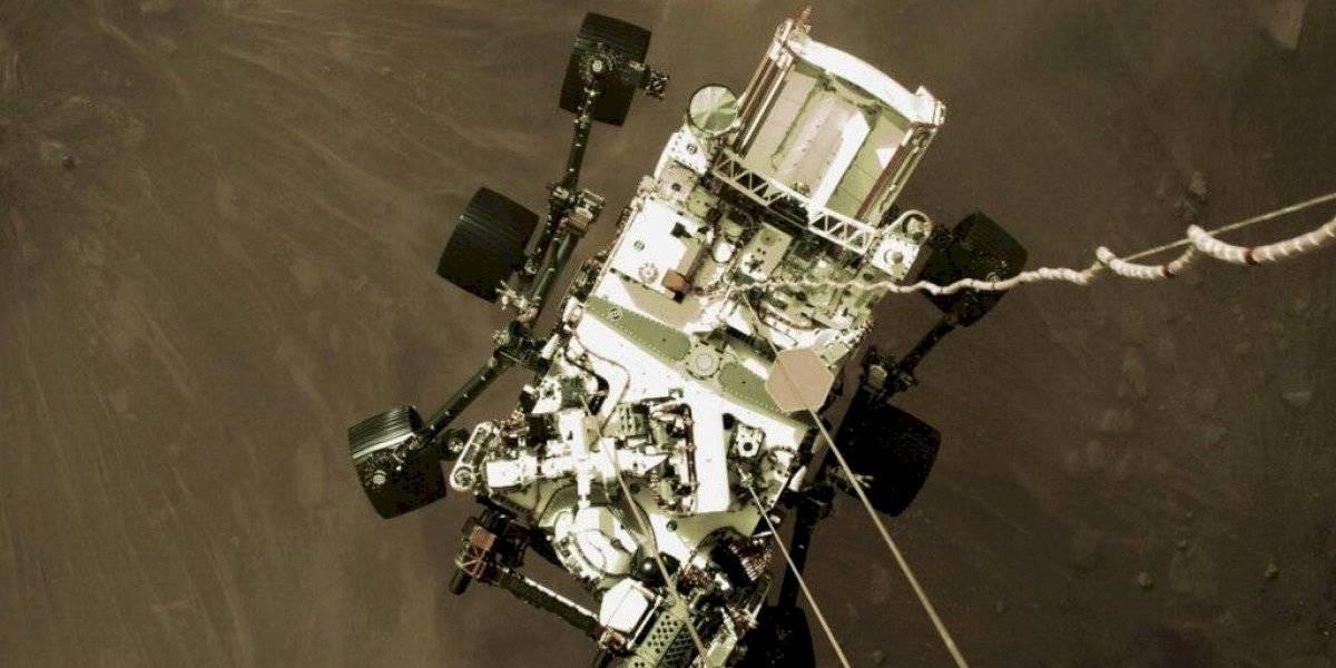 NASA difunde foto del desenso de sonda Perseverance en Marte