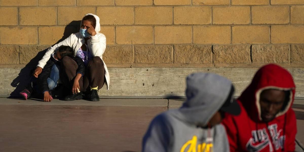 Estados Unidos empieza a recibir a solicitantes de asilo desde México