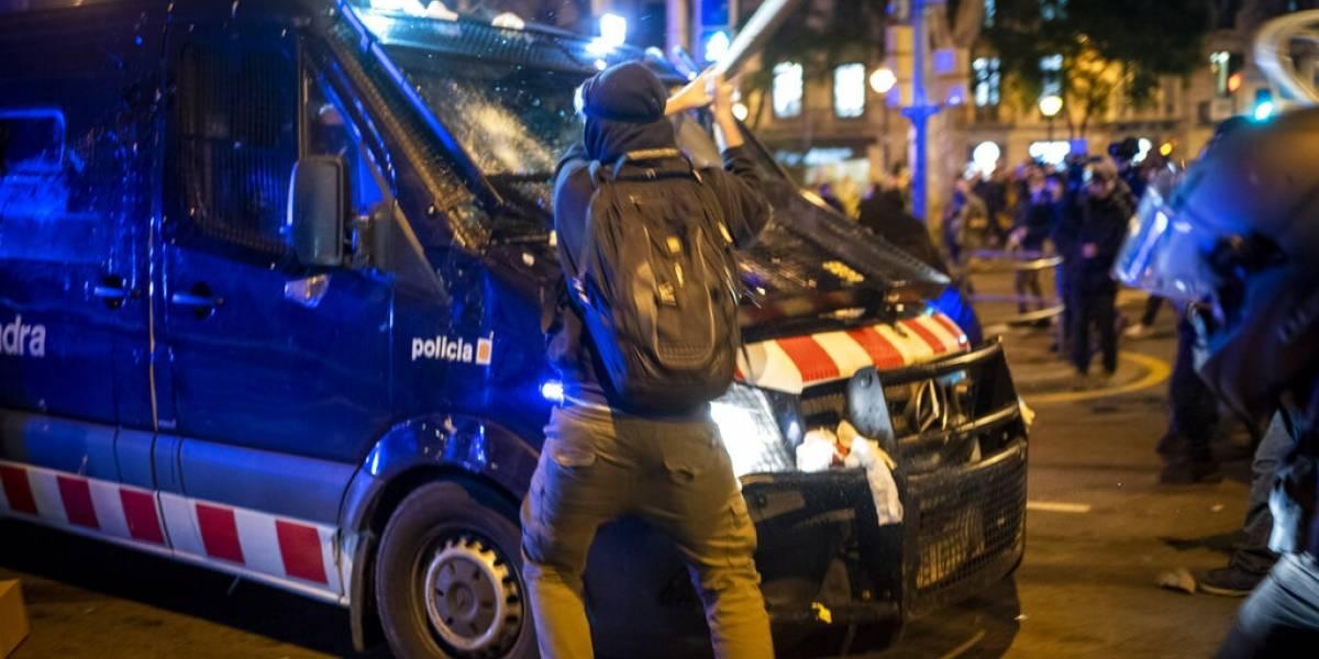 Gobierno español condena violentas manifestaciones por encarcelamiento de rapero