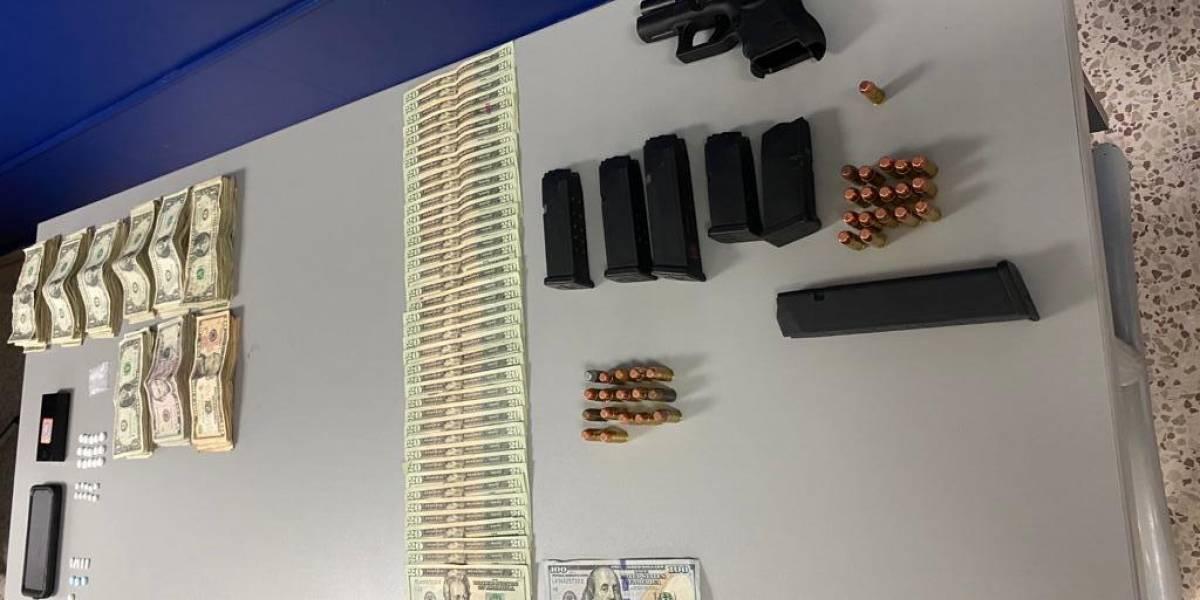 Arrestan empleado municipal de Cataño en posesión de arma y municiones