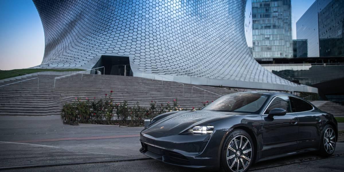 Porsche incrementa su red eléctrica en la región