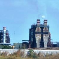Reportan aire tóxico en Salamanca por aumento de emisiones de azufre