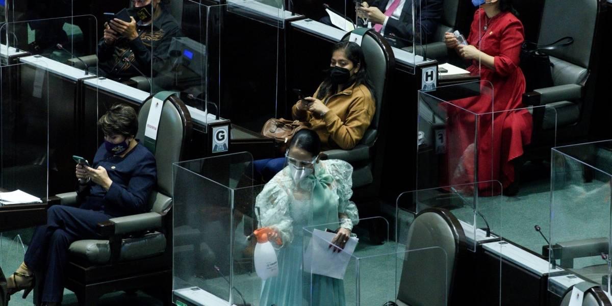 Diputados discutirán este martes Ley de la Industria Eléctrica que presentó AMLO