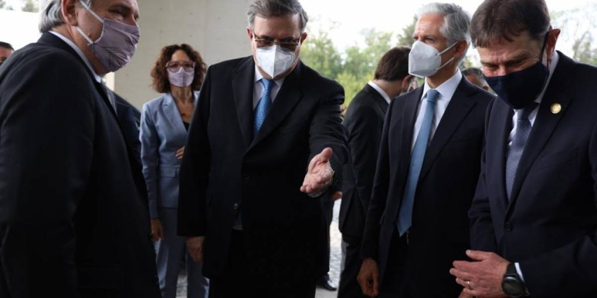 Presidente de Argentina viajó a México en el avión de Lionel Messi