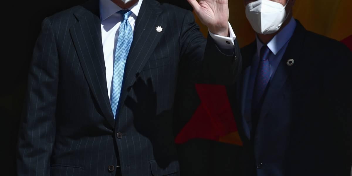 Rey Felipe.- El Rey preside en el Congreso el 40 aniversario del 23F, sin aplausos de Podemos y 'plantado' por los independentistas