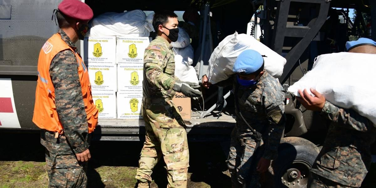 Guatemala.- Veteranos del Ejército de Guatemala bloquean el paso a la capital para demandar una indemnización