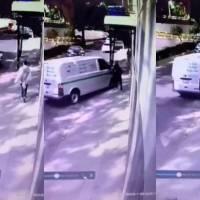 Mujer persigue a presunto ladrón que la sometió para robarle en las calles de la CDMX
