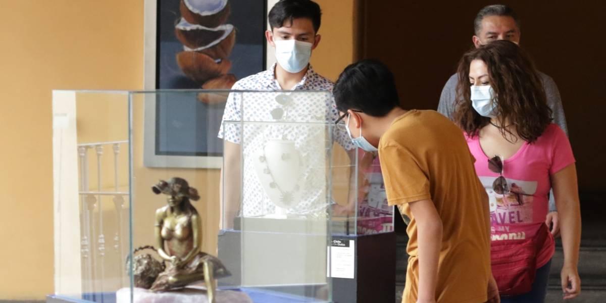 """Denuncian saqueo de museos en Puebla: """"mutilaron libros, mapas, sustituyeron originales por copias"""""""