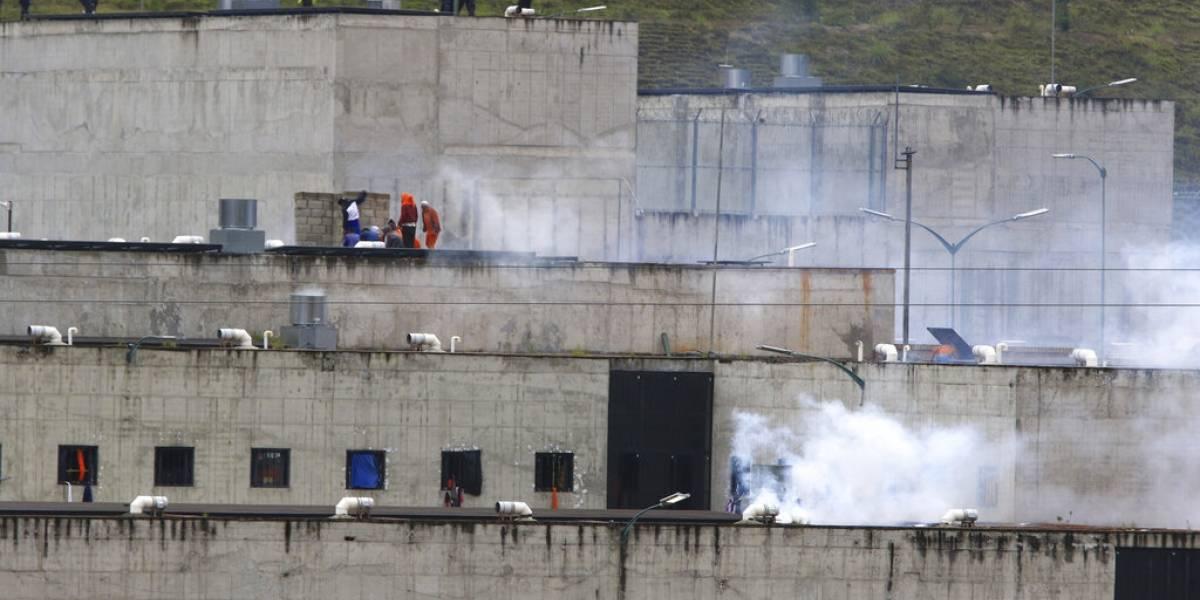 Motines en cárceles de Ecuador dejan decenas de muertos
