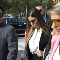 Dictan prisión preventiva sin derecho a fianza a Emma Coronel, esposa de El Chapo