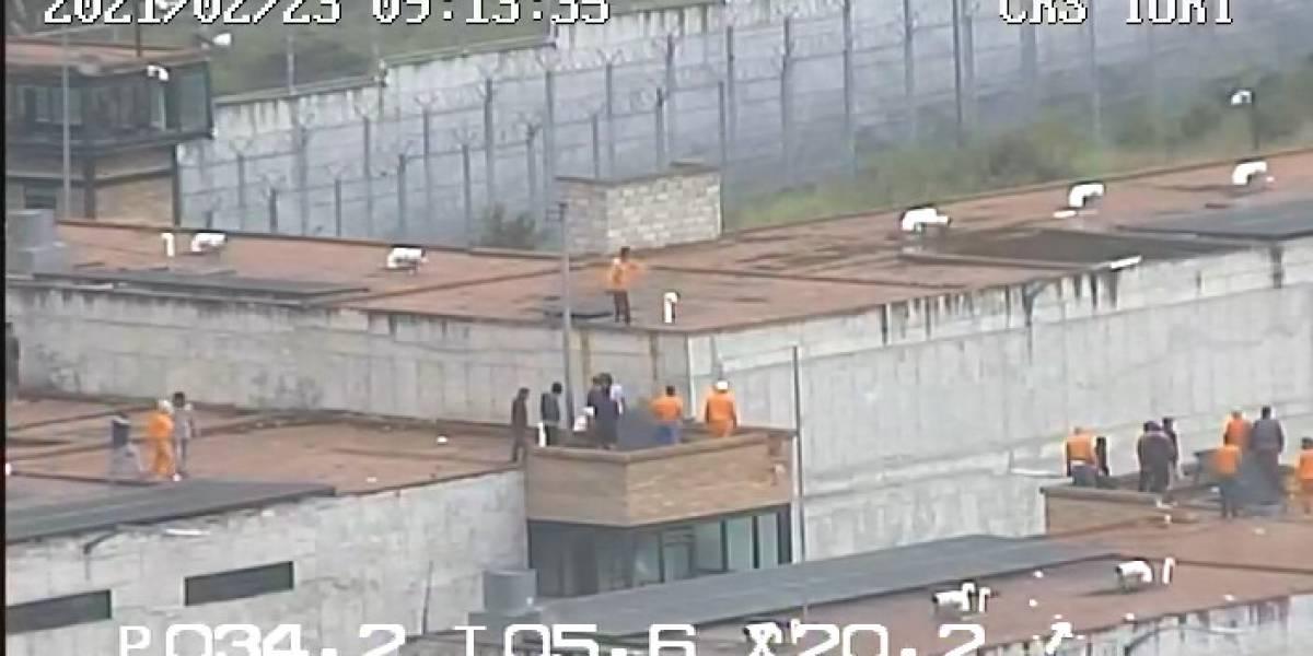 Las imágenes de los amotinamientos en penitenciarías de Guayaquil y Cuenca