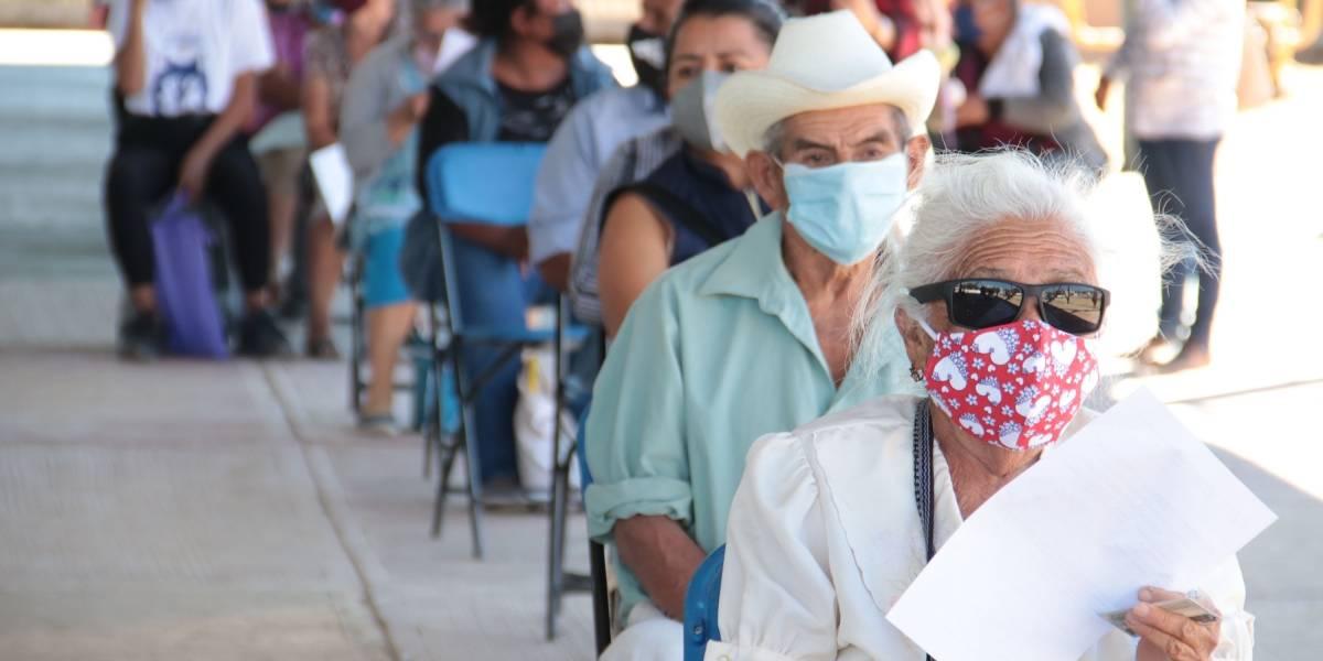 Avanza al 81% vacunación de adultos mayores en Puebla; llegan 10 mil dosis más