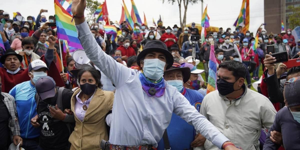 Marcha por la Democracia: Organizaciones sociales e indígenas se concentran en el parque El Arbolito