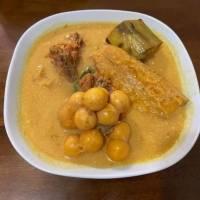 Sopa de iguana con caldo de calabaza y plátanos