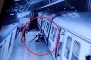 https://www.metrojornal.com.br/social/2021/02/25/camera-flagra-momento-em-que-homem-rejeitado-tenta-empurrar-mulher-na-frente-de-trem.html