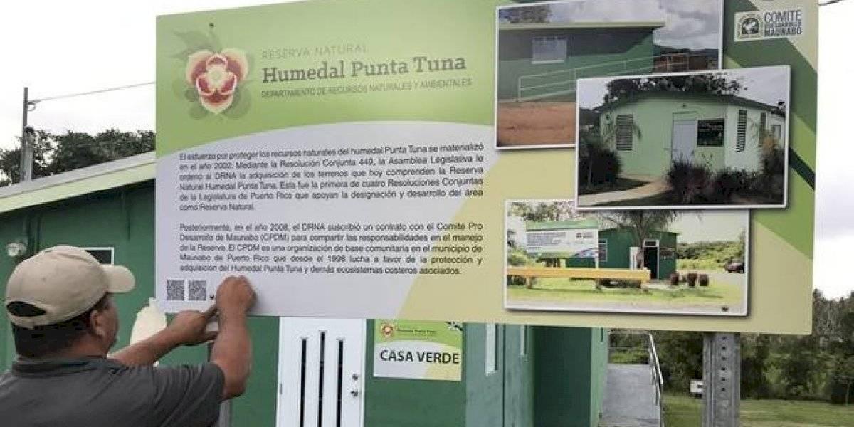 Reinstalan rotulación para personas ciegas en Reserva Natural Punta Tuna