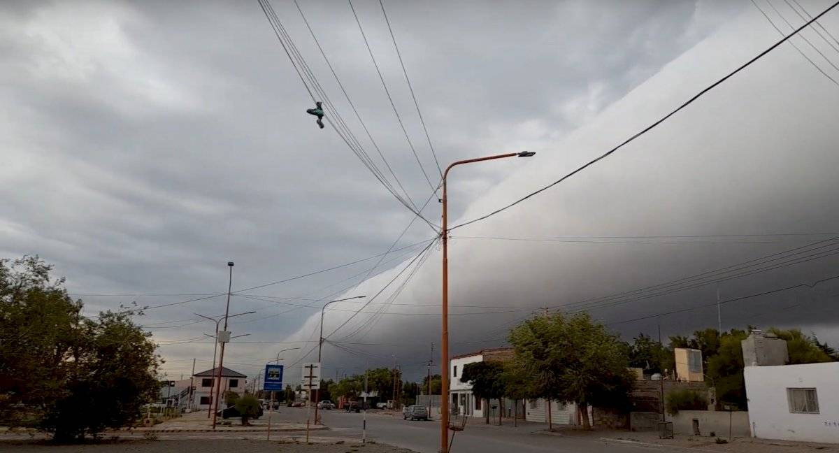 Estranho fenômeno - tempestade
