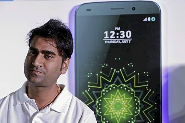 Mohit Goel, el hombre detrás del celular más barato del mundo.
