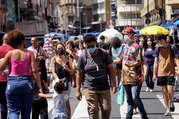 Brasil acumula 260.970 muertes y cerca de 10,8 millones de casos