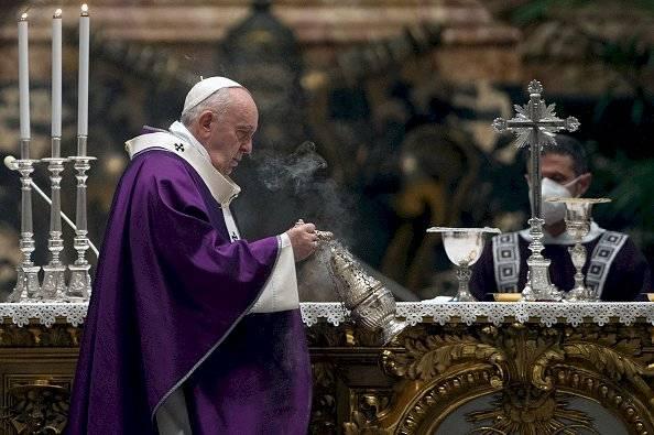 """El papa Francisco aseguró que son las mujeres """"las que llevan adelante la historia"""""""