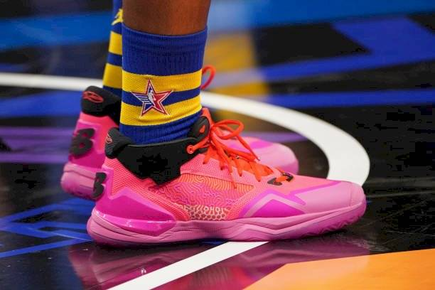Zapatillas Kawhi Leonard NBA.