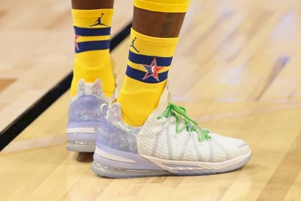 Zapatillas LeBron James NBA.