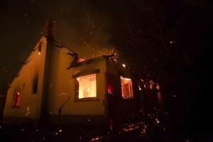 Incendios en la Patagonia argentina causan evacuados y heridos
