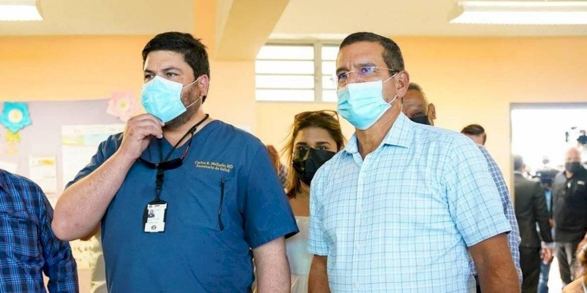 Gobernador y secretario de Salud reiteran importancia de vacunación en la Isla