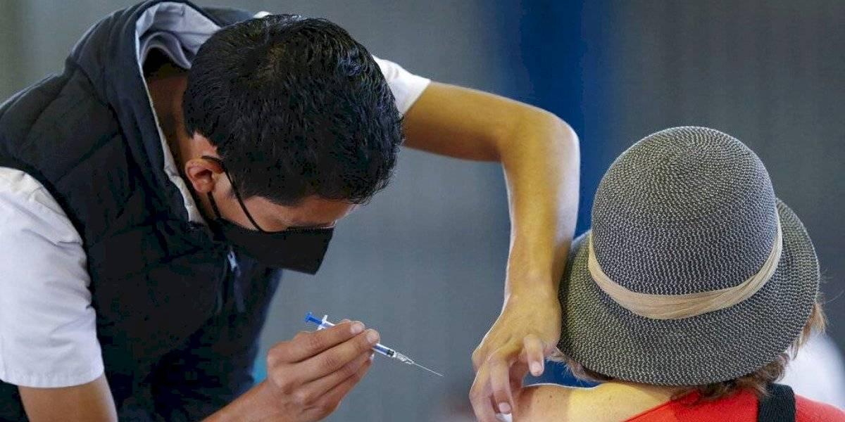 No exigirán prueba de enfermedades crónicas para poder vacunarse contra COVID