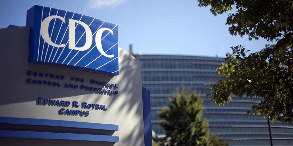CDC reduce a tres pies distancia que deben mantener estudiantes en salón de clases