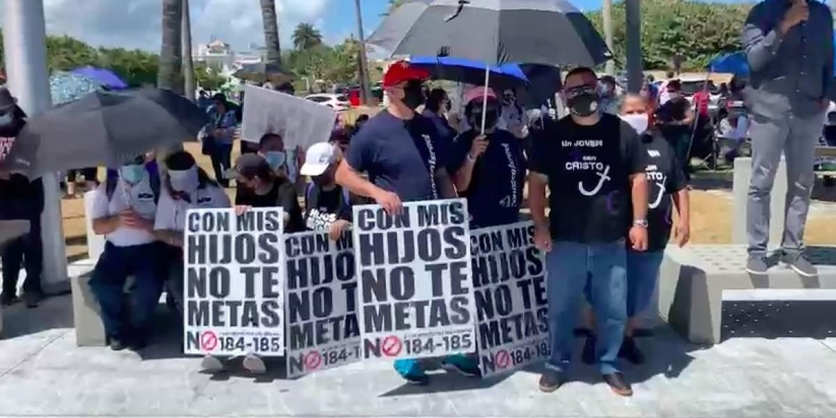 Llegan al Capitolio a manifestarse en contra del Proyecto que prohíbe terapias de conversión