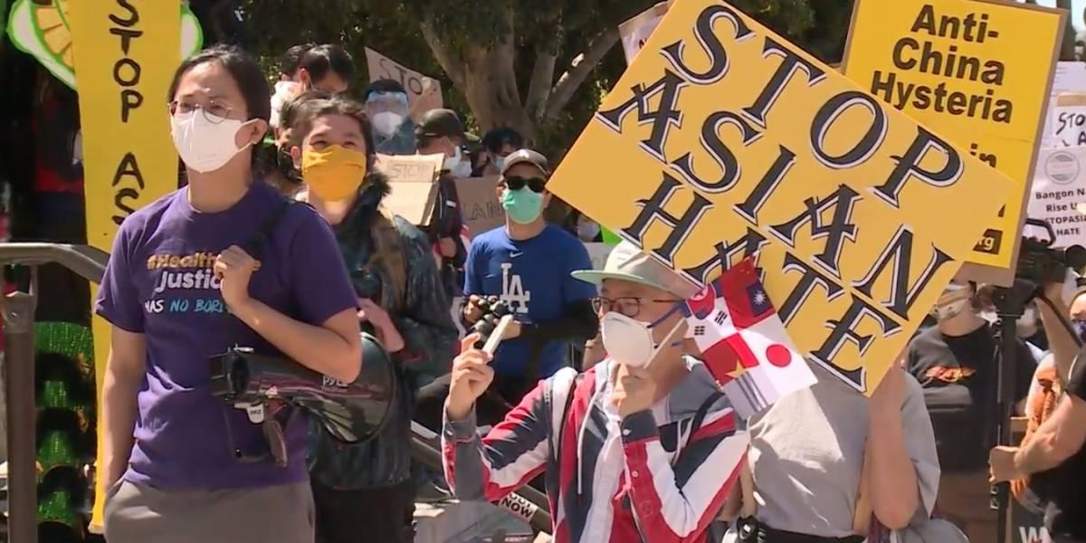 Cientos protestan en Los Ángeles contra la violencia antiasiática