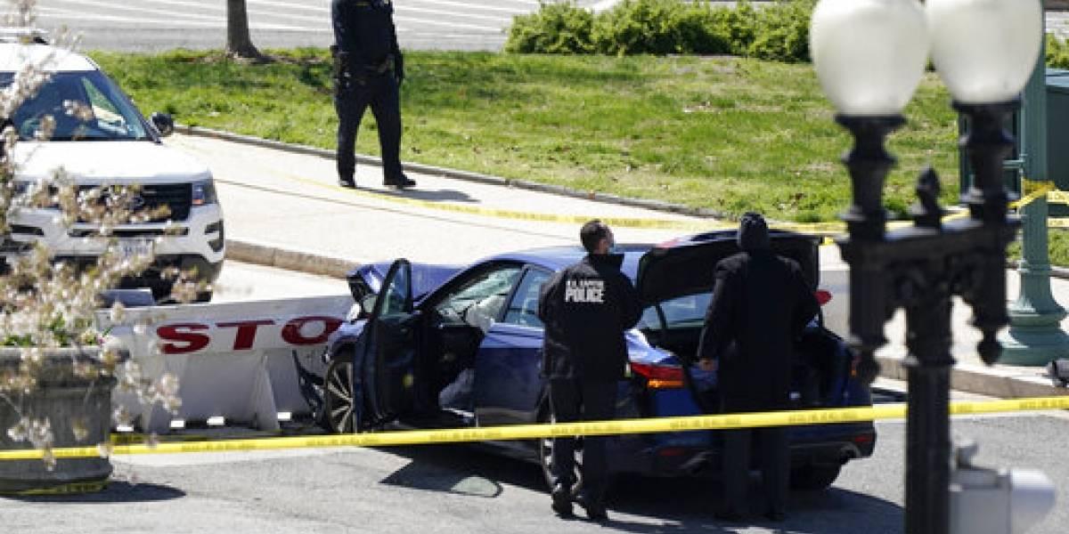 Fallece responsable de arremeter contra barricada del Capitolio federal y oficial impactado