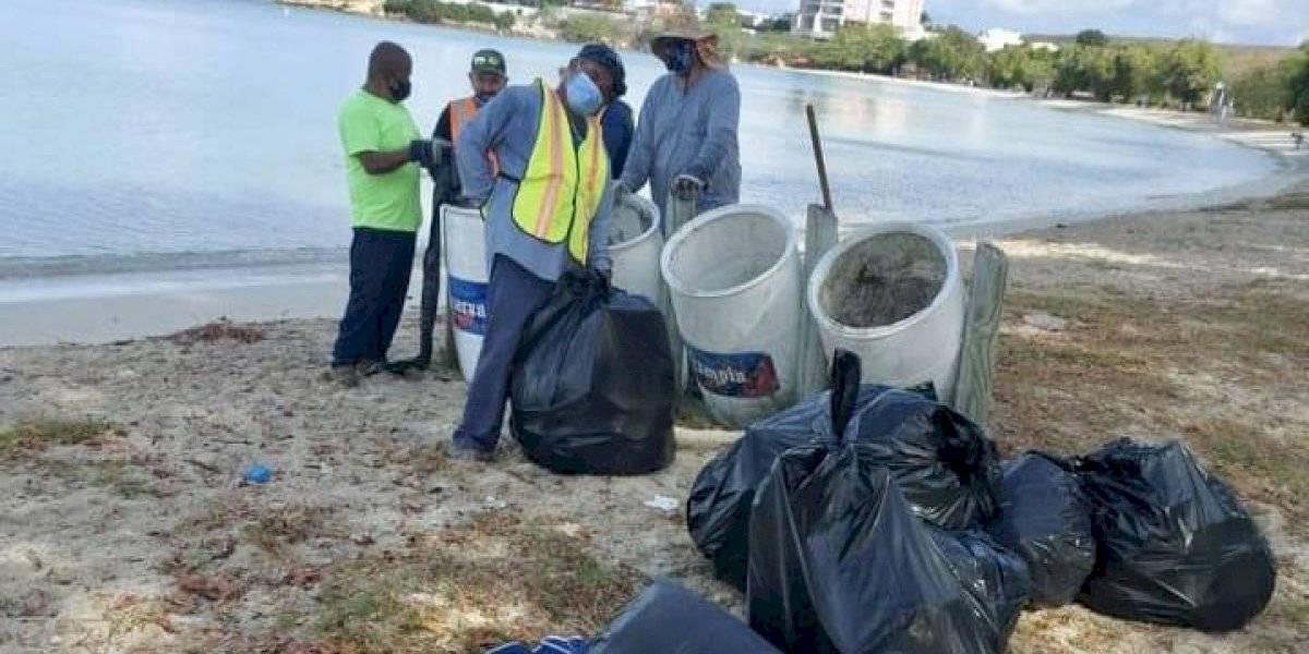 Guánica activa masivo plan de limpieza de playas ante llegada de miles de bañistas