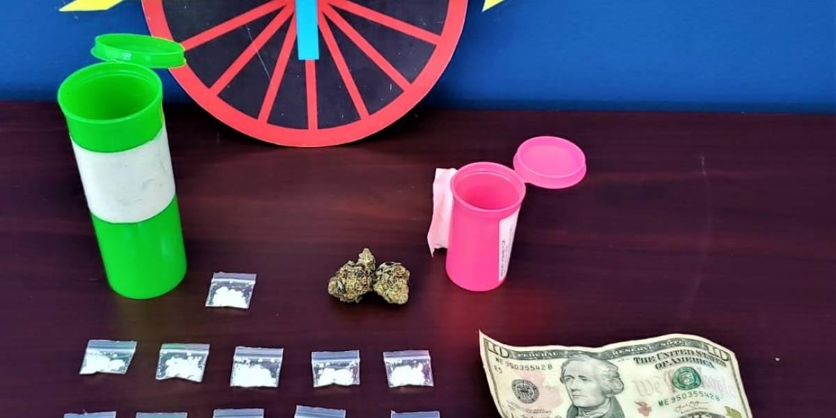 Arrestan a dos hombres por sustancias controladas en Las Piedras