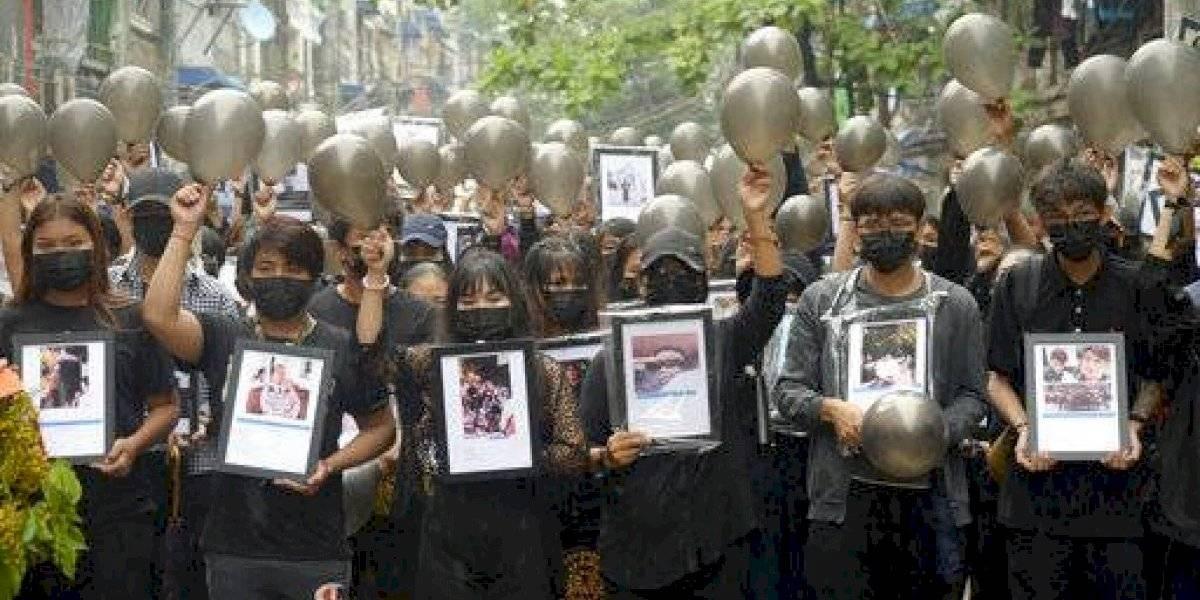 Gobierno de Myanmar va contra famosos que apoyan protestas