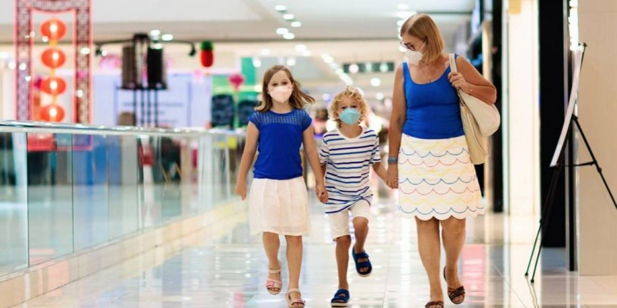 Centros comerciales defienden su operación en medio de alza de contagios y hospitalizaciones