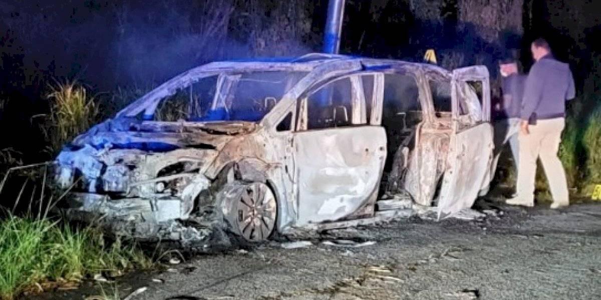 Encuentran cadáver dentro de un auto quemado en Ciales